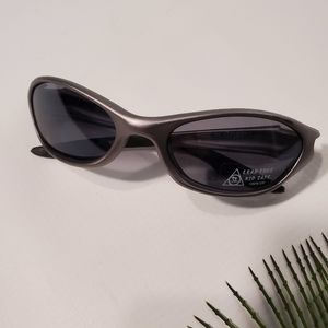 ▒4𝒇𝒐𝒓$24▒ 100% UV Flaming Gray Sunglasses